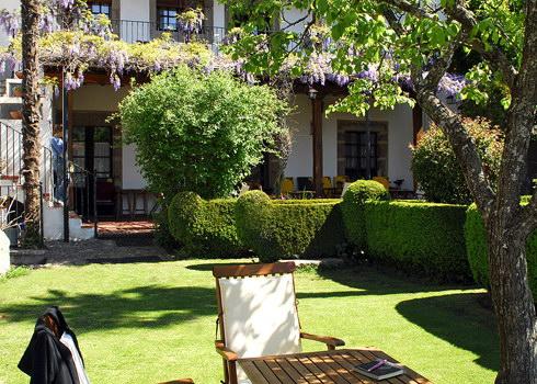 Casa rural el jard n del convento herv s c ceres for Casa rural el jardin